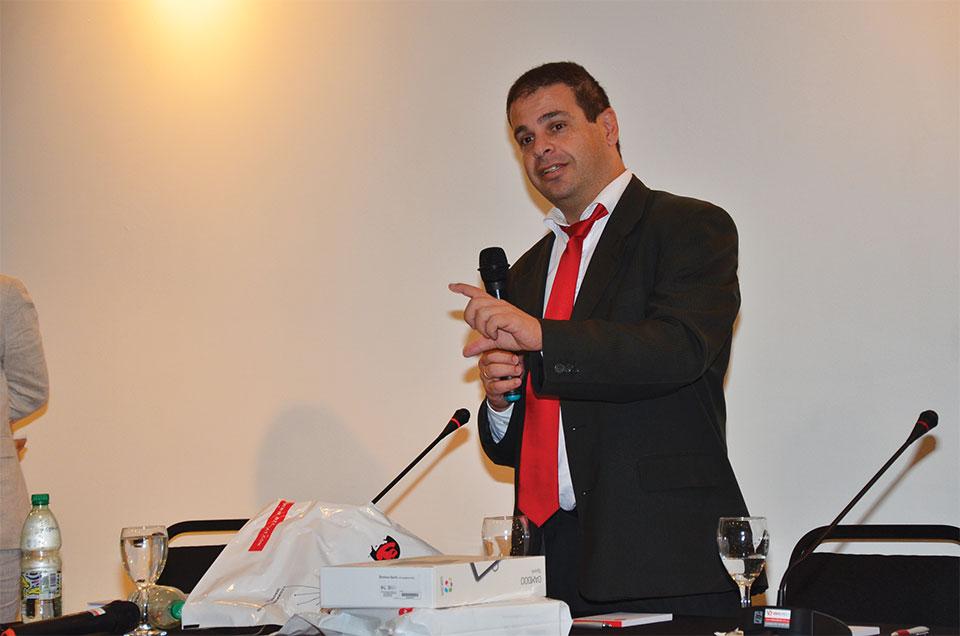 Álvaro Chemello, Gerente Comercial de Nexsys Uruguay