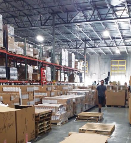 Envío: Expedidor – Envía los productos seleccionados, verificados, escaneados y empacados.