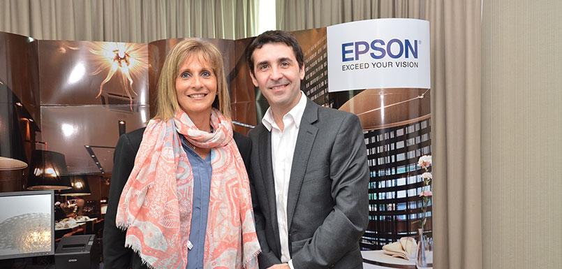 Charlotte Pfeifenkopf, Directora Comercial de Conluz Informática y Ernesto Guglielmini, Gerente de ventas EPSON para Uruguay, Paraguay y Argentina.
