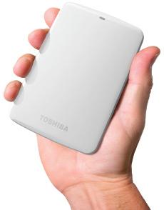 1 Incluye copia descargable gratis de Pogoplug® PC con 10 GB de almacenamiento gratuito en la nube. Requiere conexión a Internet para el acceso remoto.