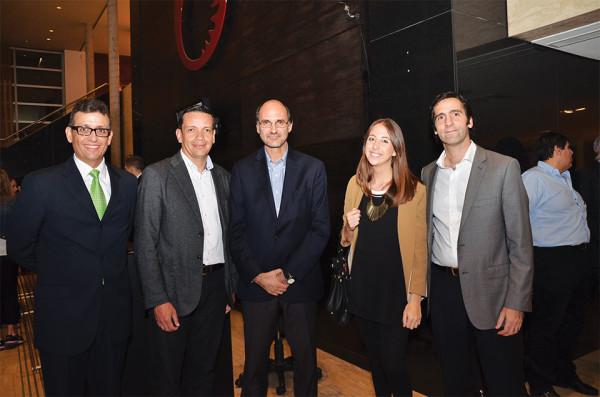 Equipo Lenovo: Lorenzo Rubin, Mauricio Vaquero, Carlos Hebrero,  Dominique Carles y Juan Viola (de izquierda a derecha)