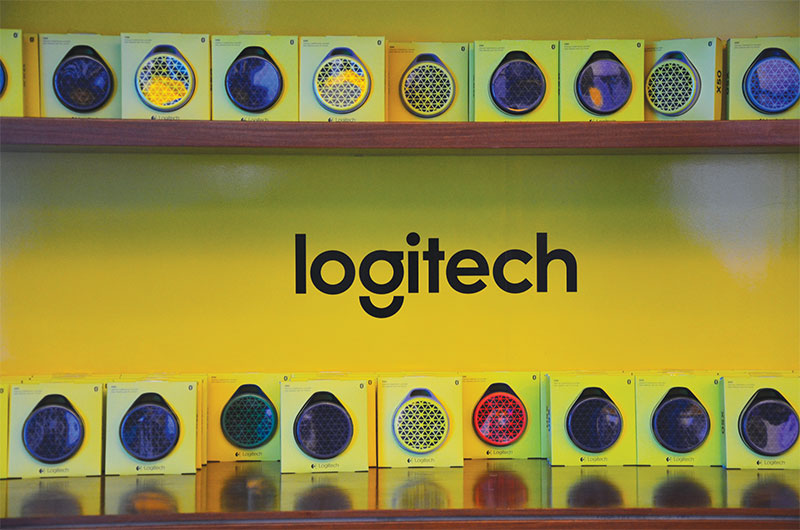 Logitech House 008