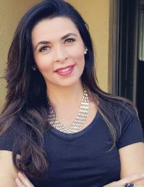 Luciana Correia, Directora de Accesorios en MDG