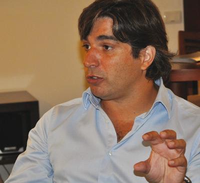 Foto Maximiliano Hernandez. County Manager