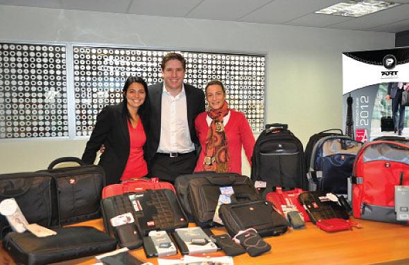 Foto Rosana Vignone, Depto Comercial Diverol, Mariano Muñoz  y Eloisa Armand Ugon, Gte. Comercial Diverol