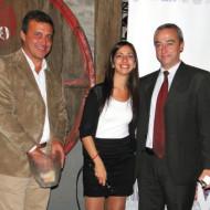 Foto Gabriel González, Gimena Badell con Germán Patt de Infotech, otro de los ganadores de los sorteos