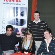 Martin Fernandez y Daniel Molina (Banifox), Pamela Latronic (Toshiba), Rodolfo Diaz (Intcomex), Jorge Fernandez y Maruricio Castello(U.Binario)